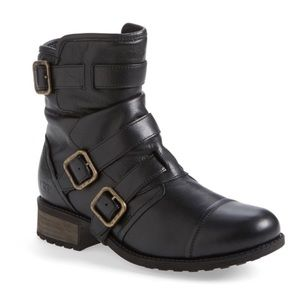 UGG • Finney Moto Boot Black leather